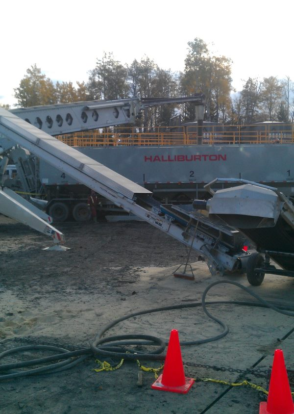 Telebelting Photos. Feeder belt and main boom set up.