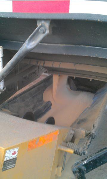 frac Hauling. Feeding a Telebelt with a hopper bottom grain trailer