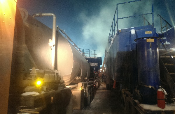 Telebelting Frac Sand is quickly replacing Pneumatic trailer unloading. These systems are outdated in the oil and gas industry. Dust, high pressure lines and congestion on location are only a few of the problems.