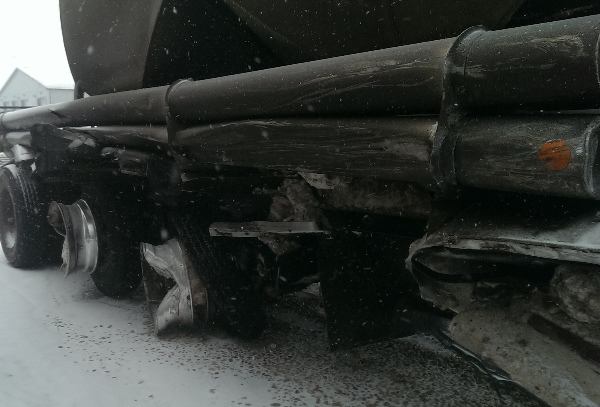 Oilfield Accidents. Sand can recovery from a roll over on Alaskan hwy.