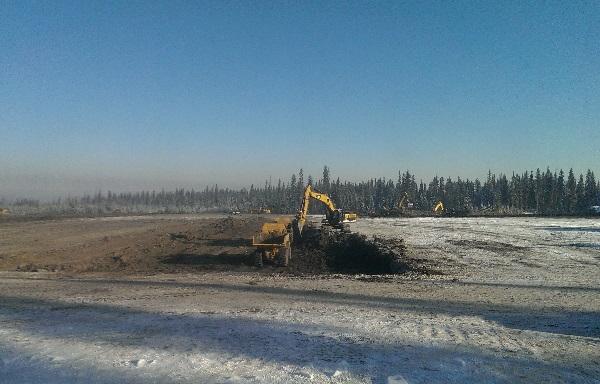 Oilfield Photos, building oilfield camps
