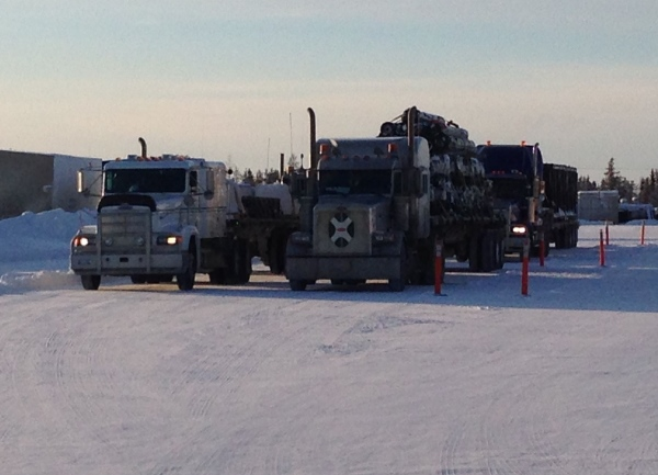 Big Rig Pictures. Ice road trucking convoy