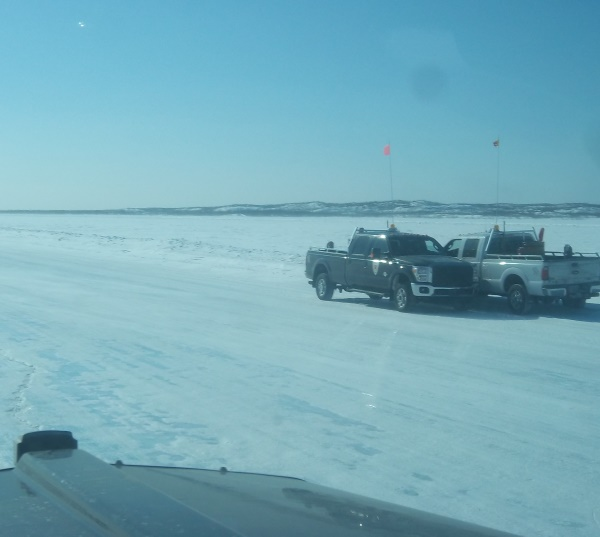 Ice Road Drivers. Ice road security monitors for speed and spacing