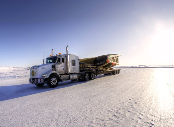 Big Rig Pictures. Kenworth T800 on the ice roads