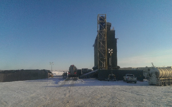Oilfield Photos, Superfracking equipment, C-ring for water and large frac sand storage vessels