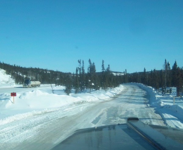 Tibbett Contwoyto Winter Road one way portage traffic.